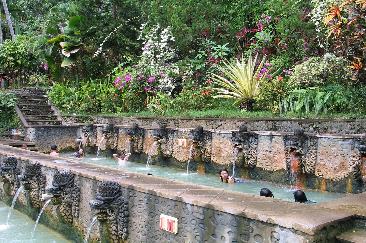 Bali Attractions: Air Panas Warm Water Spring