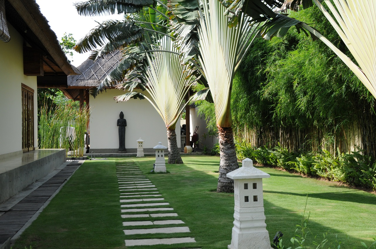 Lovina Bali beach vacation rental villa garden