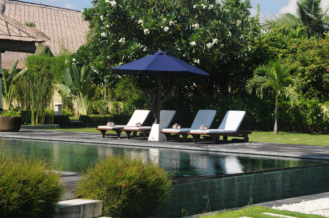 Bali Lovina beach vacation rental villa Bale Bengong